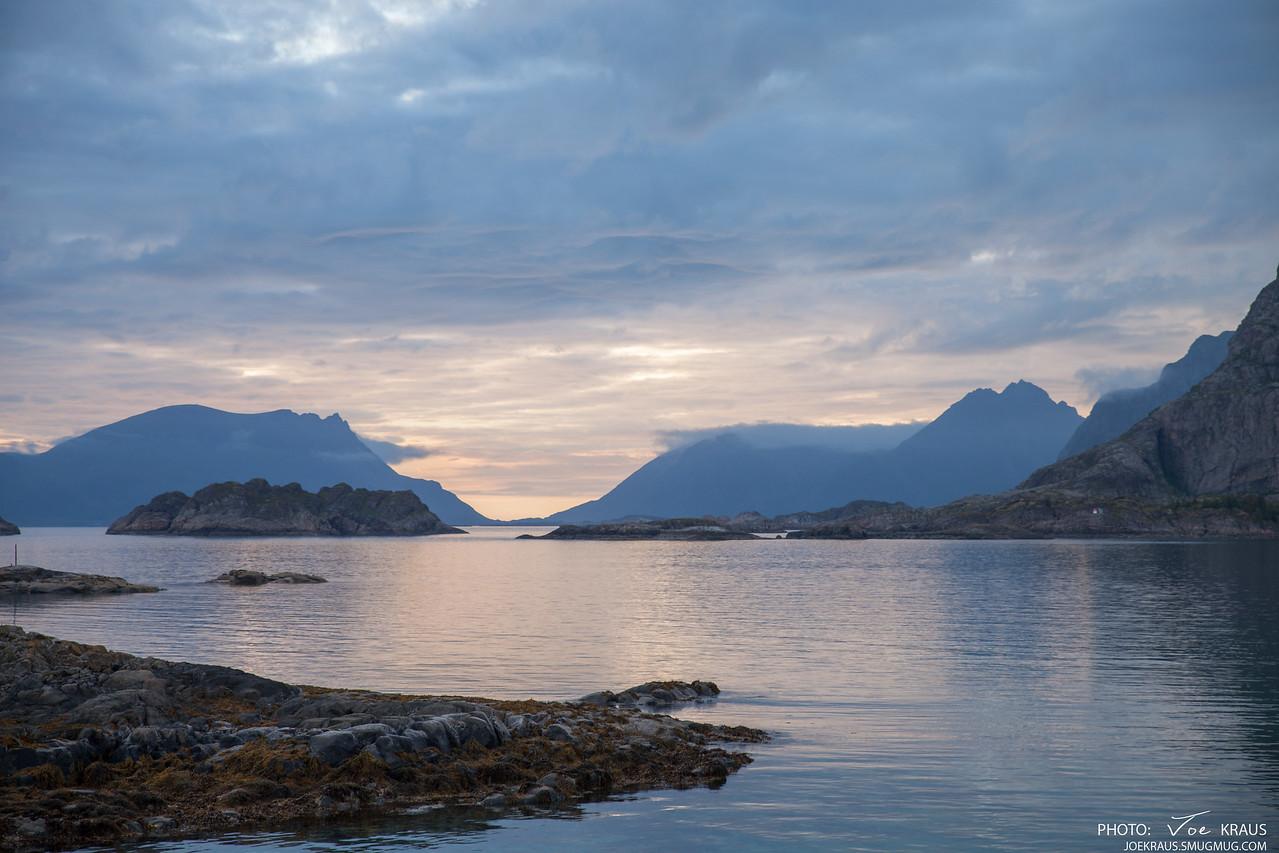 Sunset & Fjords, Midnight Sun Henningsvær