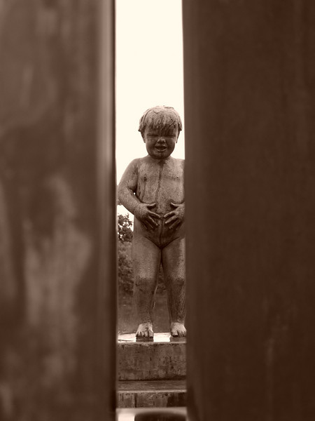 Parque Vigeland en Oslo también llamado Parque de las Esculturas, tiene más de un centenar de Gustav Vigeland, que encargó el Ayuntamiento de Oslo al escultor