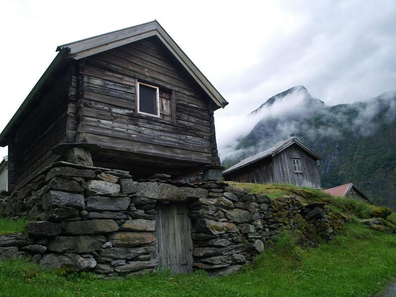 Otternes, antigua granja noruega en Flam