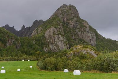 Driving from Svolvær to Henningsvær