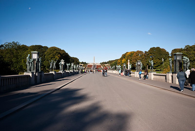 The BridgeThe 100 m long and 15 m wide bridge, lined with lanterns and sculptures on the granite parapets, is built on top of an old bridge constructed in 1914. Vigeland designed the new bridge and modelled in the years 1925 to 1933 the 58 sculptures in bronze. These include a rich variety of children, women and men in different ages, some alone, others in groups. Dominant motifs are the relationships between man and woman, adults and children.