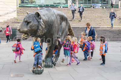 The Oslo Tiger with kids