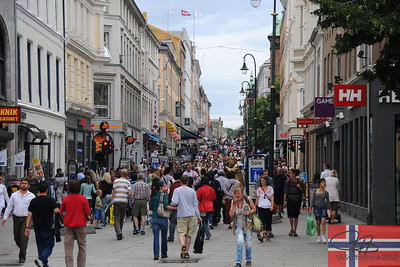 Karl Johanns Gate, the main drag in Oslo.  This section is a pedestrian mall.