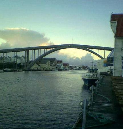 Resoy Bridge, Haugesund from south