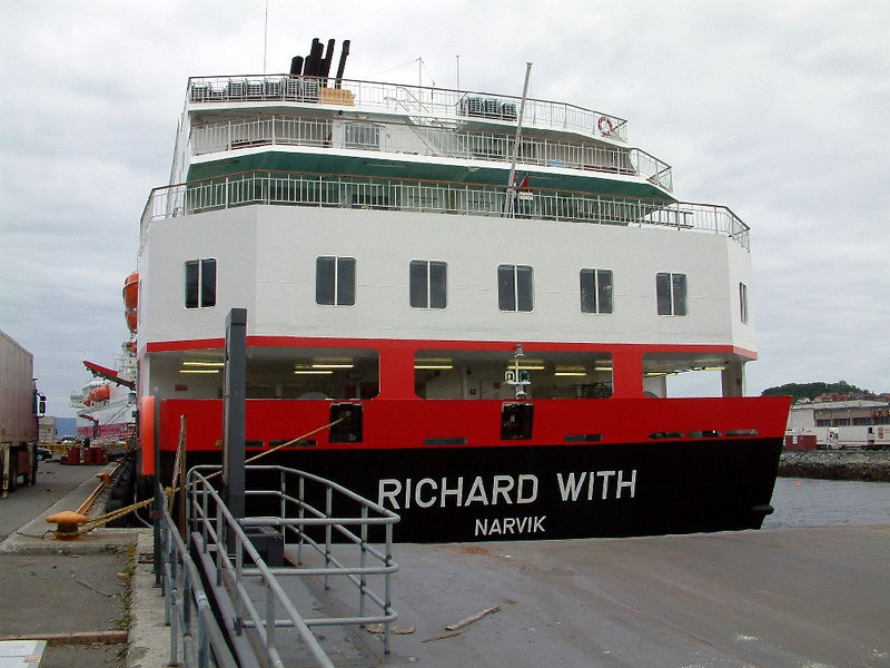 These Hurtigruten ships do not utilise bow and stern loading facilities found on most modern ferries. Richard With, being a  OVDS vessel, is registered in Narvik