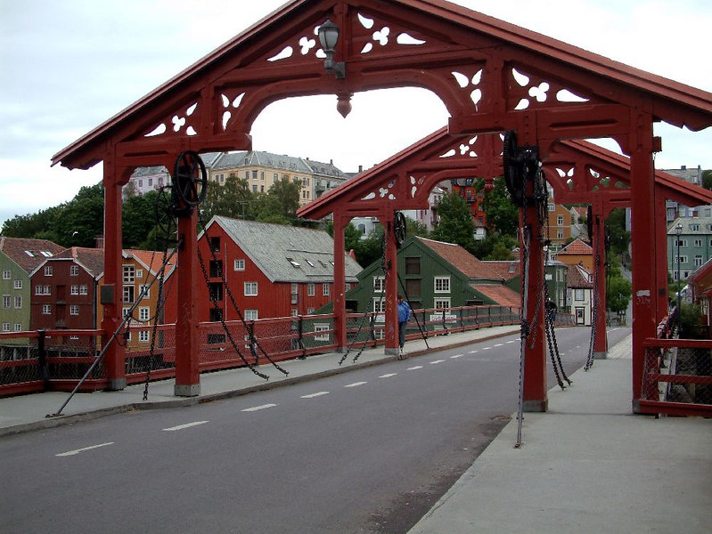 Bybrua - the old bridge over the River Nid - at one time the part between the two arches lifted allow high masted ships to pass. The lifting chains and pulleys are simulated.