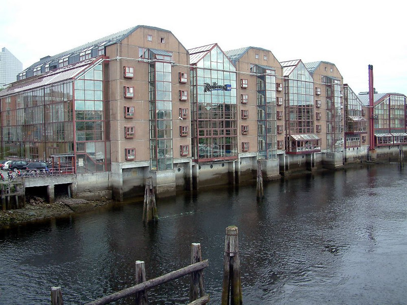 Modern RadissonSAS hotel at Trondheim, built in the style of old riverside warehouses