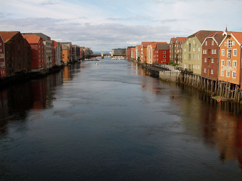 Looking seawards down the River Nid in Trondheim from tthe bybrua.