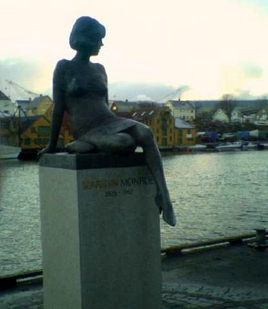 Statue of Marlyn Monroe outside Rica Maritim Hotel, Haugesund