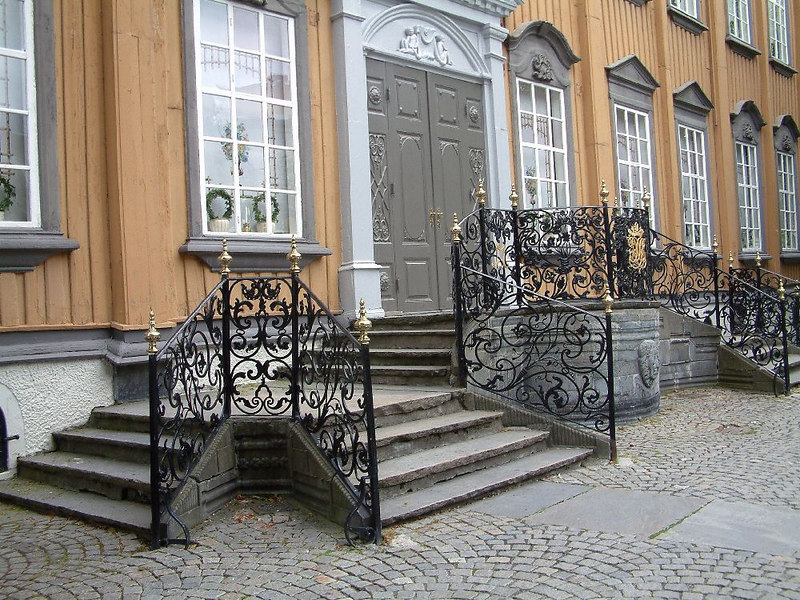 The Royal Palace, Trondheim - the largest wooden Royal palace in Scandinavia