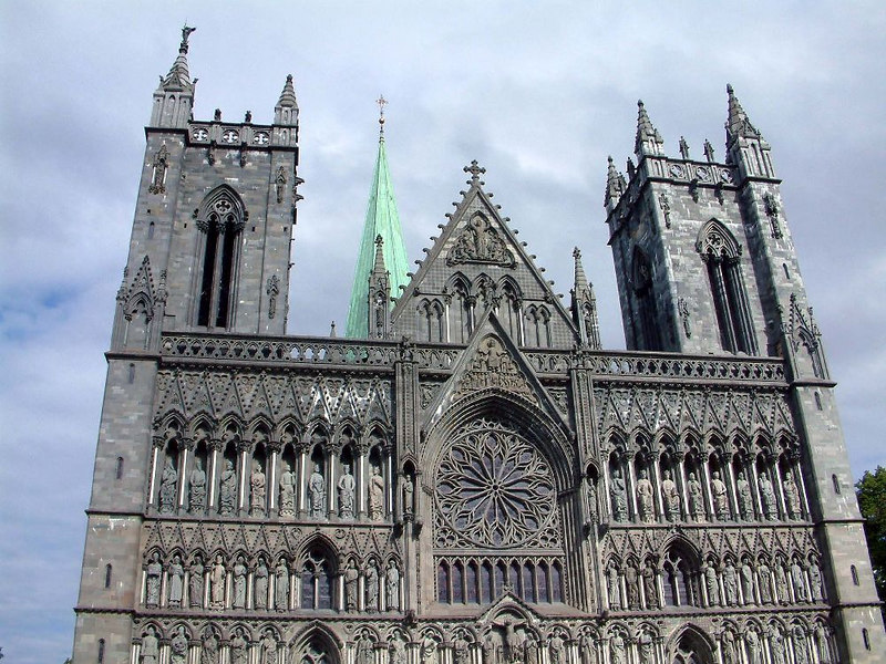 "The Nidaros Cathedral, Trondheim, June 2006<br /> <br />  <a href=""http://www.nidarosdomen.no/english/"">http://www.nidarosdomen.no/english/</a>"