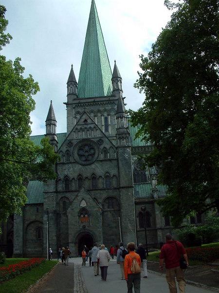 "The Nidaros Cathedral, Trondheim, June 2006<br /> <br />  <a href=""http://www.pvv.ntnu.no/~ragnvald/Nidarosdomen/nidarosdomen.html"">http://www.pvv.ntnu.no/~ragnvald/Nidarosdomen/nidarosdomen.html</a>"