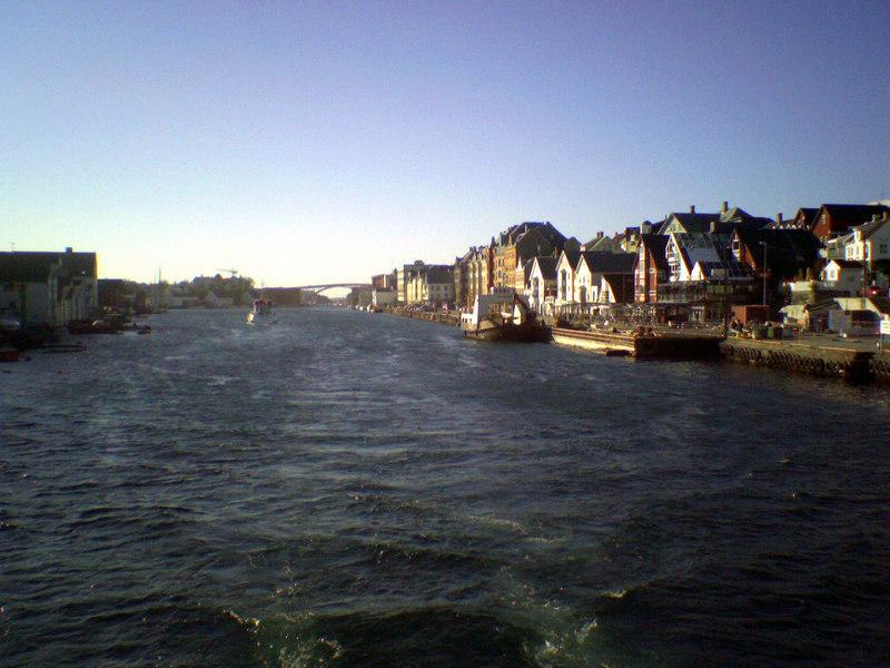 Leaving Haugesund on motor vessel Tjelden