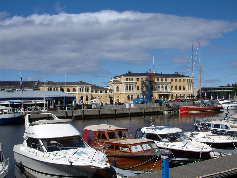 Trondheim Railway station and private craft berths