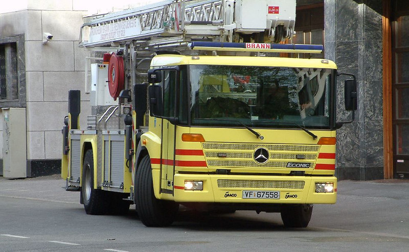 A yellow City of Trondheim fire appliance