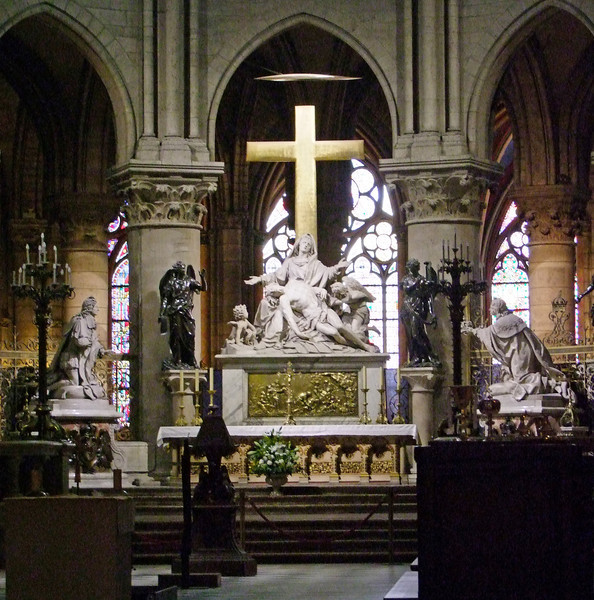 Main altar within Notre Dame