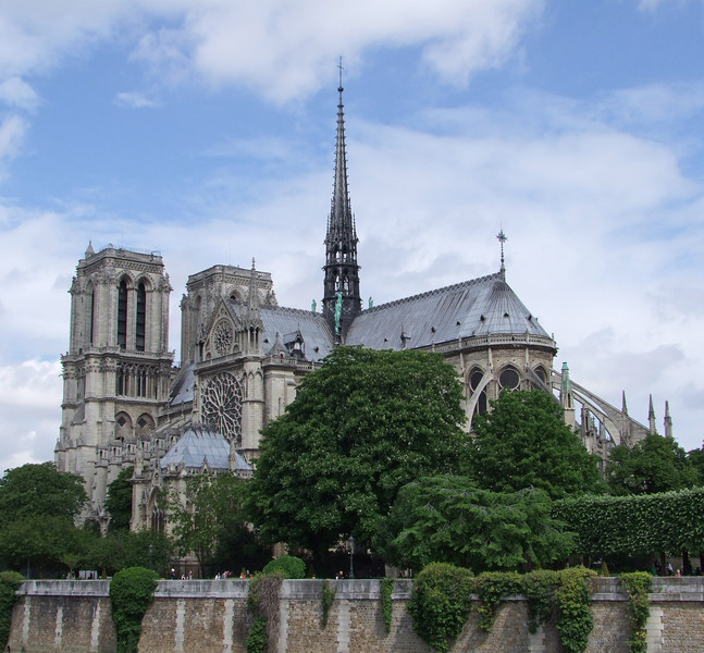 A view of Notre Dame from the Seine River