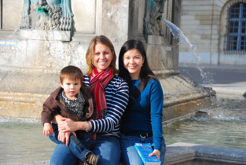KK:  Moms and Michael in Arles