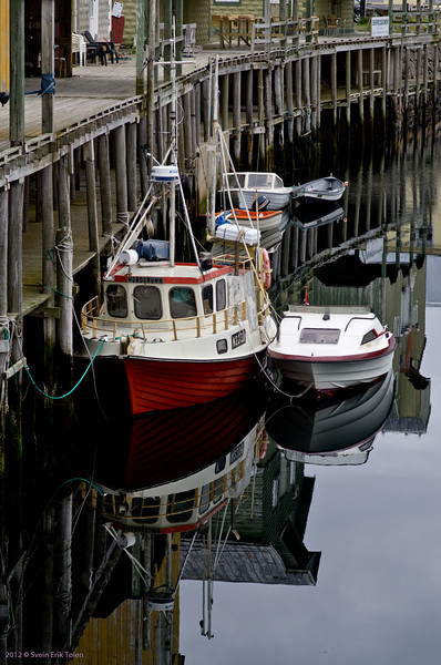 Small and smaller boats in the harbour
