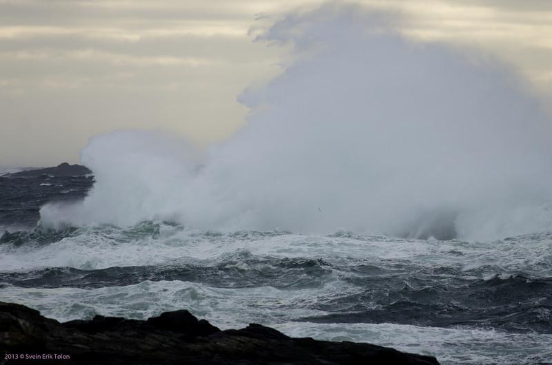 Breaking waves I<br /> Seen from Vestervika, Nyksund