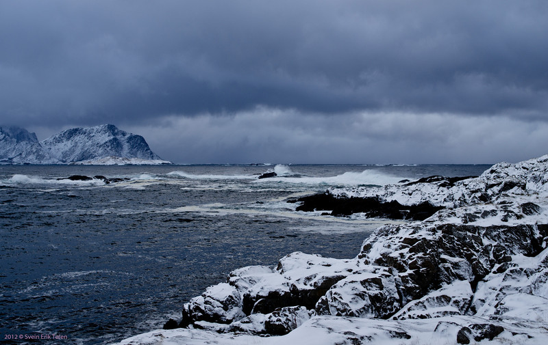 First snow in Nyksund - windswept at Vestervika