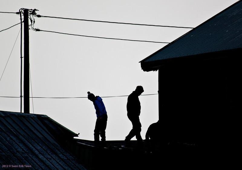 Mending roofs II
