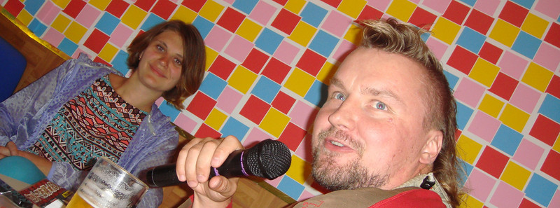 Karaoke night with spiffing hair cut