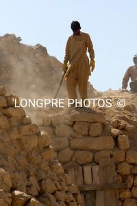 Hot dusty work-KHOR RORI dig site.
