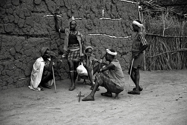 People at the Omo Valley, b&w