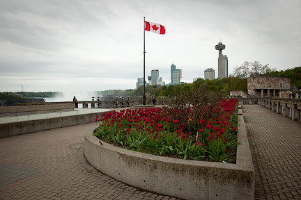 WALKWAY WITH VIEWS OF THE FALLS FROM CANADA