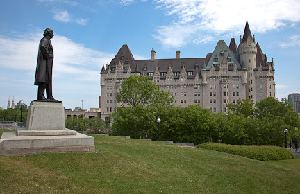 FAIRMONT CHATEAU LAURIER HOTEL ON PARLIAMENT HILL - OTTAWA