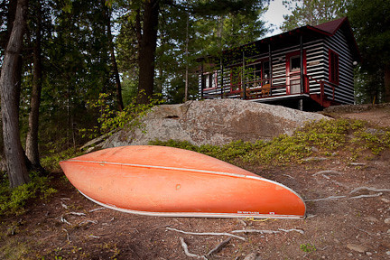 CANOE READY TO BE LAUNCHED - LAKE OF TWO RIVERS