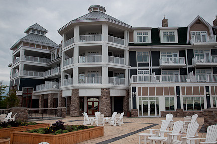 JW MARRIOTT HOTEL ON LAKE ROSSEAU
