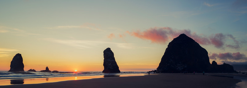 CANNON BEACH SEA STACKS AT SUNSET