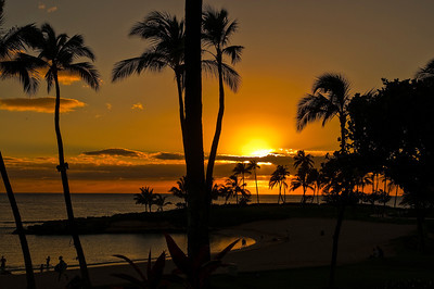 Beautiful orange sunset off of Oahu.