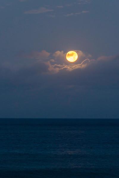 Moonset over Hawaii