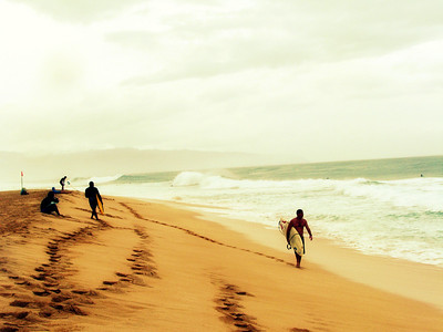 same shot of 'Ehukai Beach (Bonzai Pipeline) North Shore, O'ahu...just different crop & process