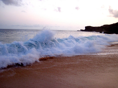 Breaking waves on Sandy Beach, O'ahu