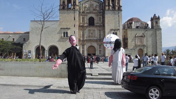 A wedding outside the Iglesia Santo Domingo.