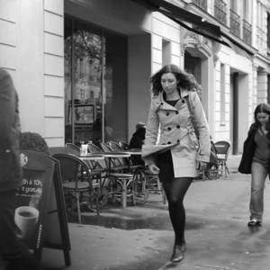 A heartwarming scene. Parisians completely ignoring Starbucks.