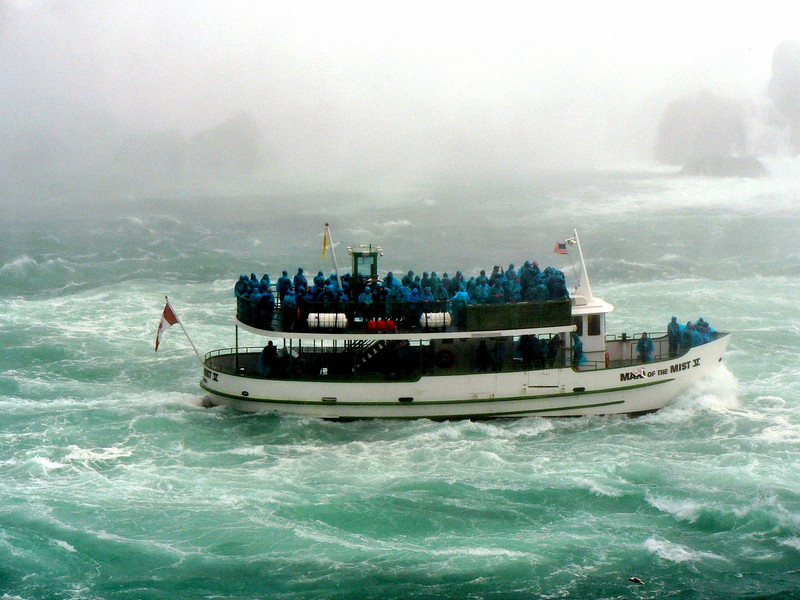 Maid of the Mist chugging her way into Horseshoe Falls.