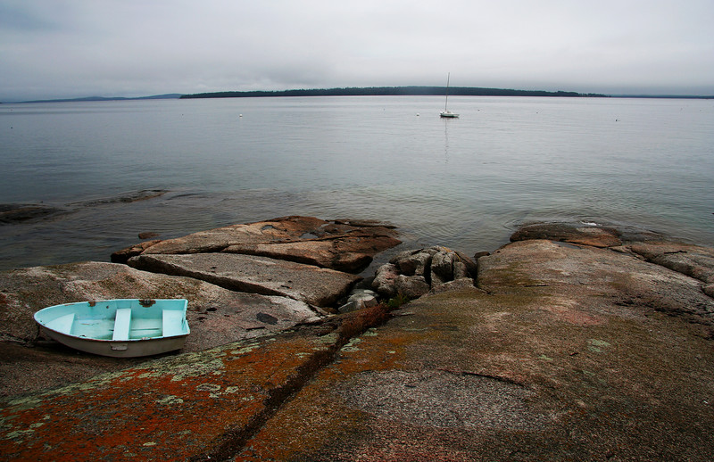 lookout point, boat on rocks