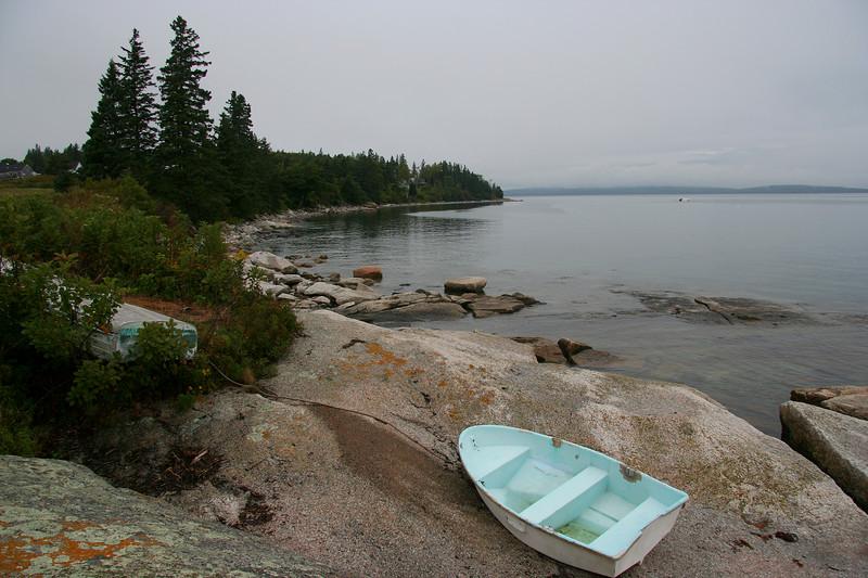 lookout point, boat on rocks