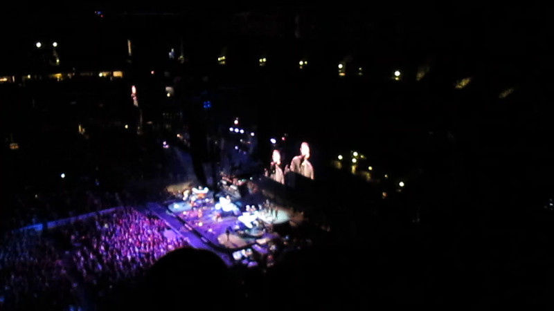 "Badlands<br /> <br /> <a href=""http://www.setlist.fm/setlist/bruce-springsteen/2014/nationwide-arena-columbus-oh-63c38677.html"">http://www.setlist.fm/setlist/bruce-springsteen/2014/nationwide-arena-columbus-oh-63c38677.html</a>"