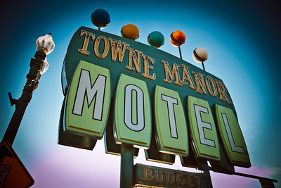 A retro motel sign beckons weary travelers in Canton, Ohio.