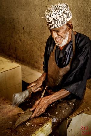 Oman Men - Fish Cutting