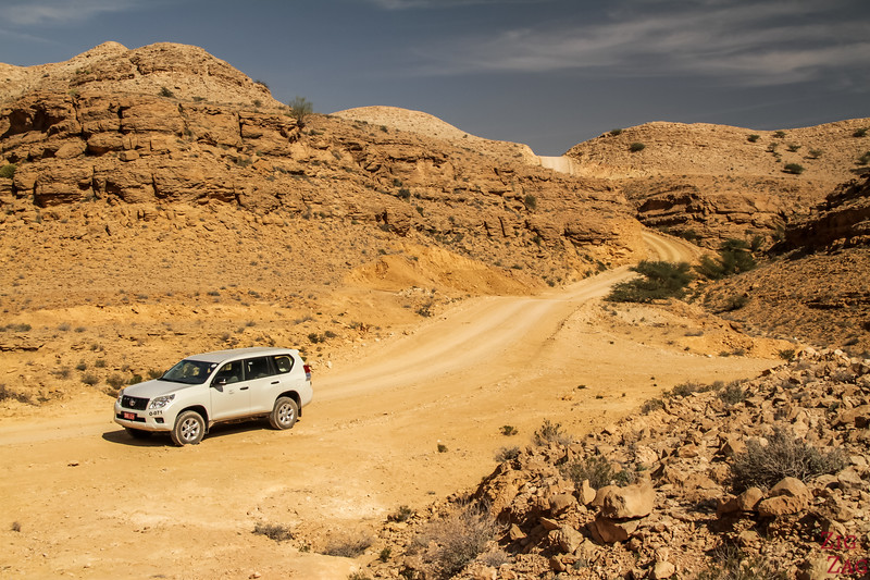 Driving on the Salmah Plateau - Oman landscapes 1