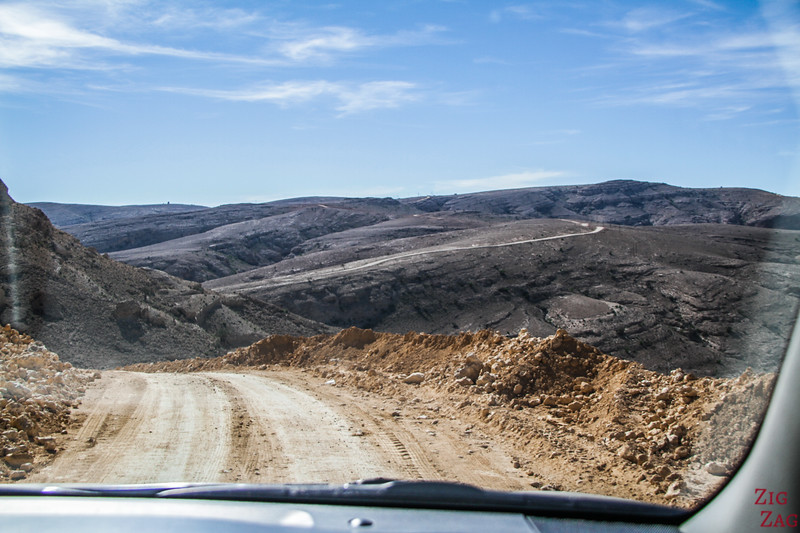 Driving on the Salmah Plateau - Oman landscapes 5