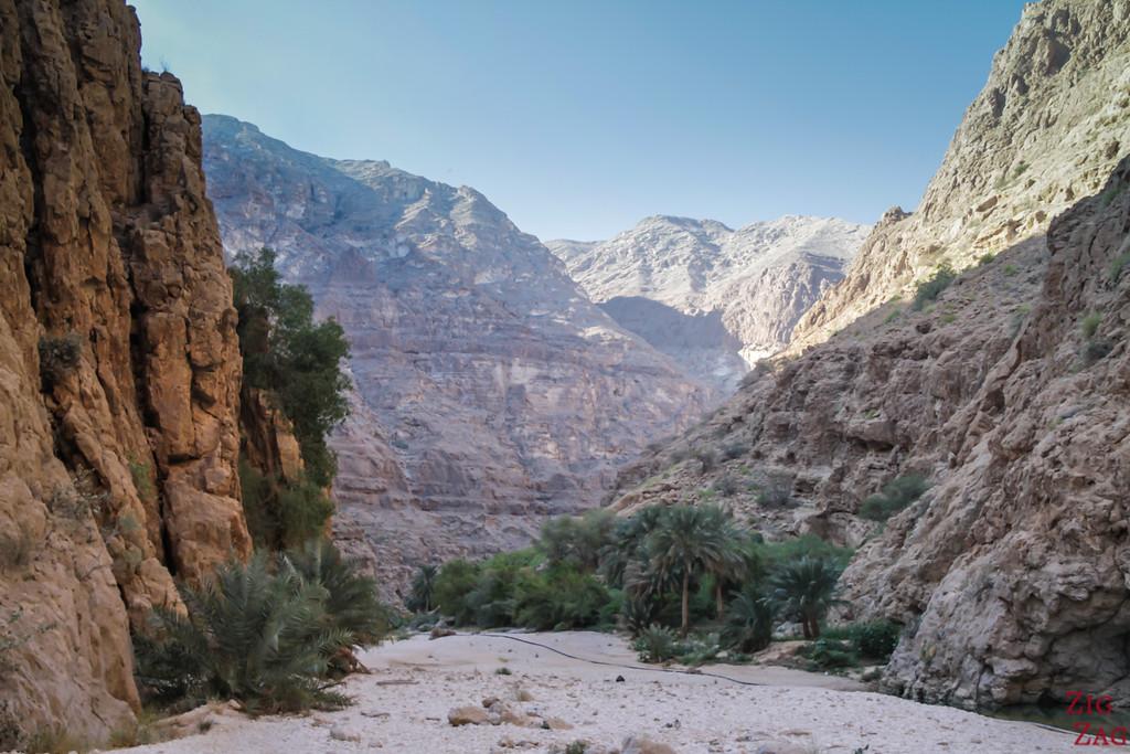 Hiking Wadi Shab - Oman 1