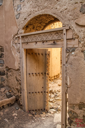 Al Munisifeh, Oman - ruin door  1